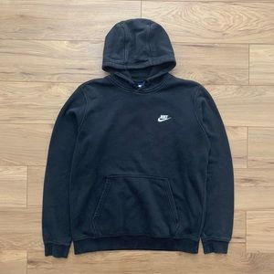 ▪️Nike essential Hooded Sweatshirt (Fits S)